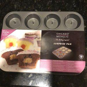 Brand new Surprise baking pan!